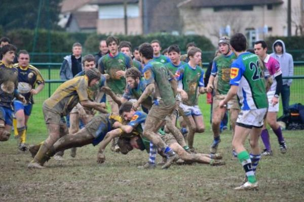 Juniors contre l'entente de la vallée d'Ossau victoire 12 à 9