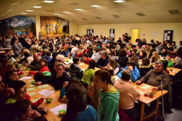 Le loto du collège Reine Sancie 22 fév 2013...salle comble !