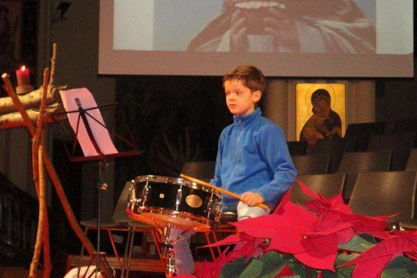 16-17 Kerstviering: De kleine trommelaar