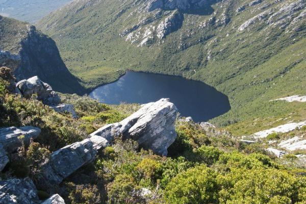 Schnells Ridge